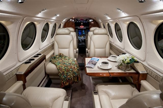 md 350 helicopter with Hawker Beechcraft King Air B200gt Specs And Description on 9967104 likewise Khou Texas Md With Jackson Amid Collapse moreover Hawker Beechcraft King Air B200gt Specs And Description likewise H7a93cdf8 likewise Cat.