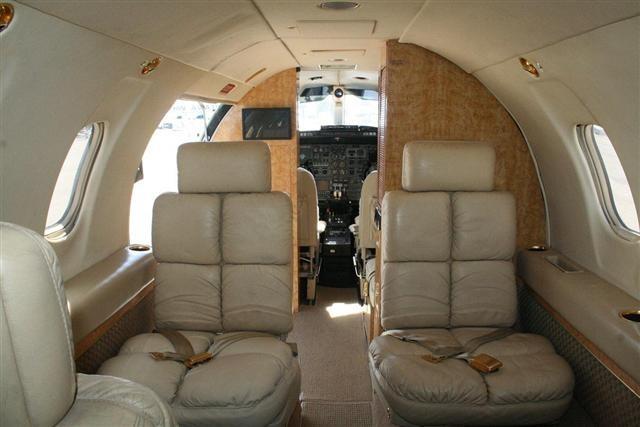 Bombardier Learjet 25 Specs - Private Jet Charter Planes ...