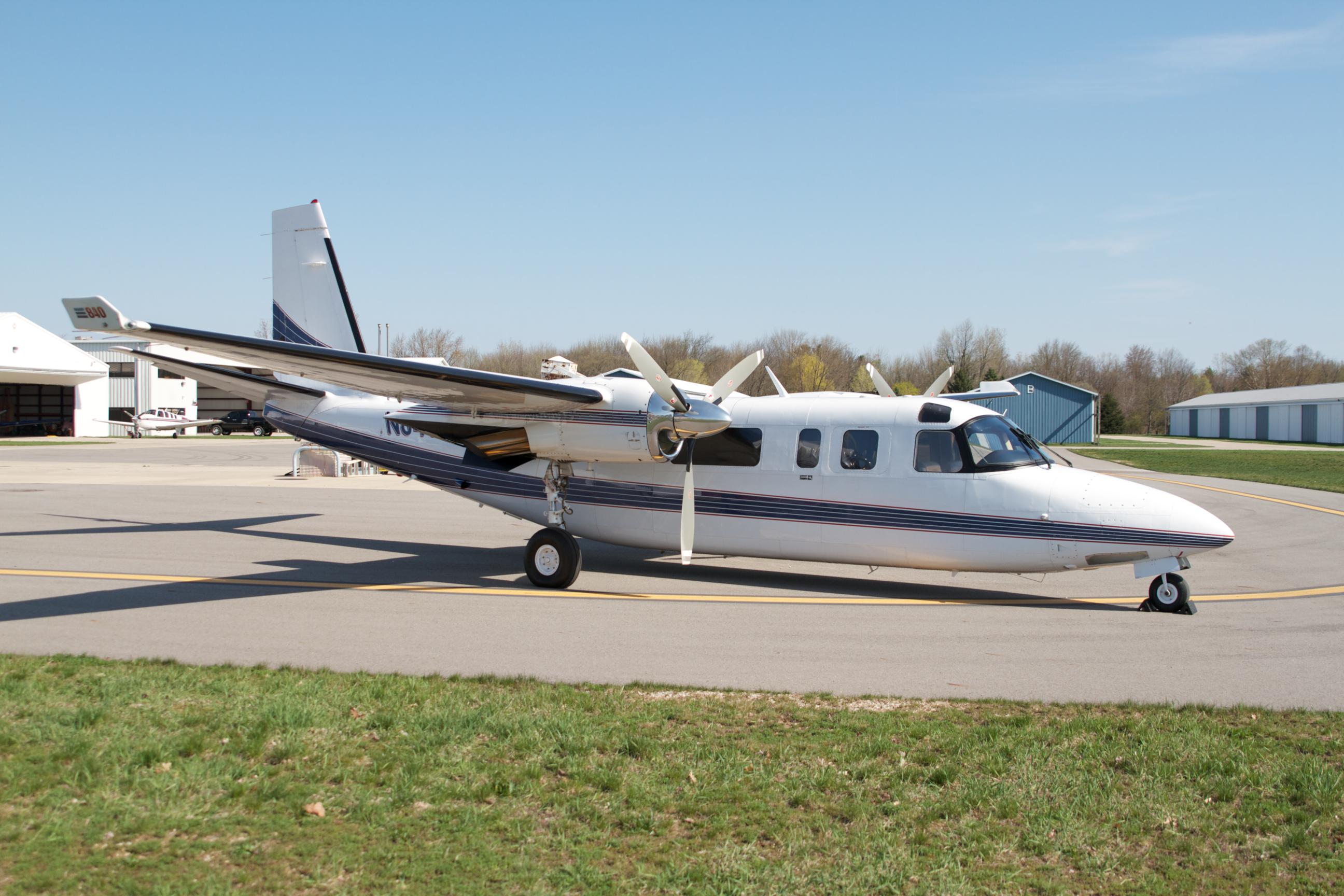 1981 Twin Commander 840 with Dash 10's – SOLD