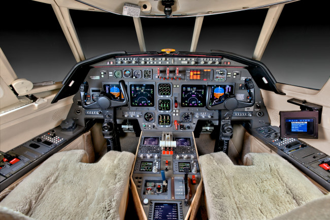 Falcon 50EX, sn281, N463JD for Premier Jet Copyright Info Contact: Barry Gray Biz Jet Photos, Inc. (847-367-9024) bgray@bizjetphoto.com www.bizjetphoto.com